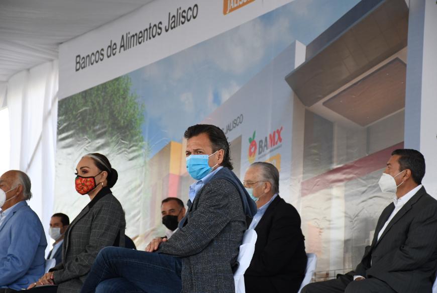 Presente Pablo Lemus en la colocación de la primera piedra del Banco de Alimentos de Guadalajara