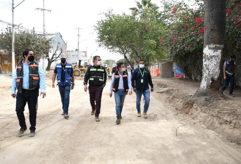Supervisa Pablo Lemus obra de renovación en avenida Zoquipan