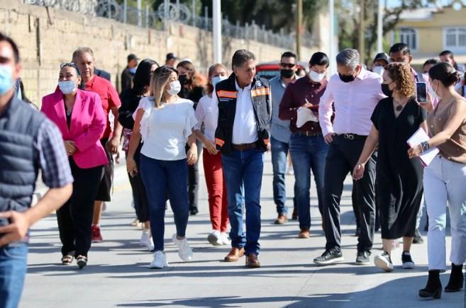 Zapopan dignifica la conectividad vial y peatonal en colonia Colinas de los Robles